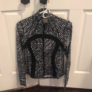 Lululemon fitted light weight jacket